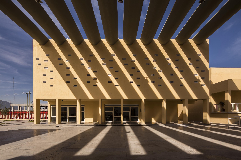Community center san bernab architizer - Pergolas de cemento ...