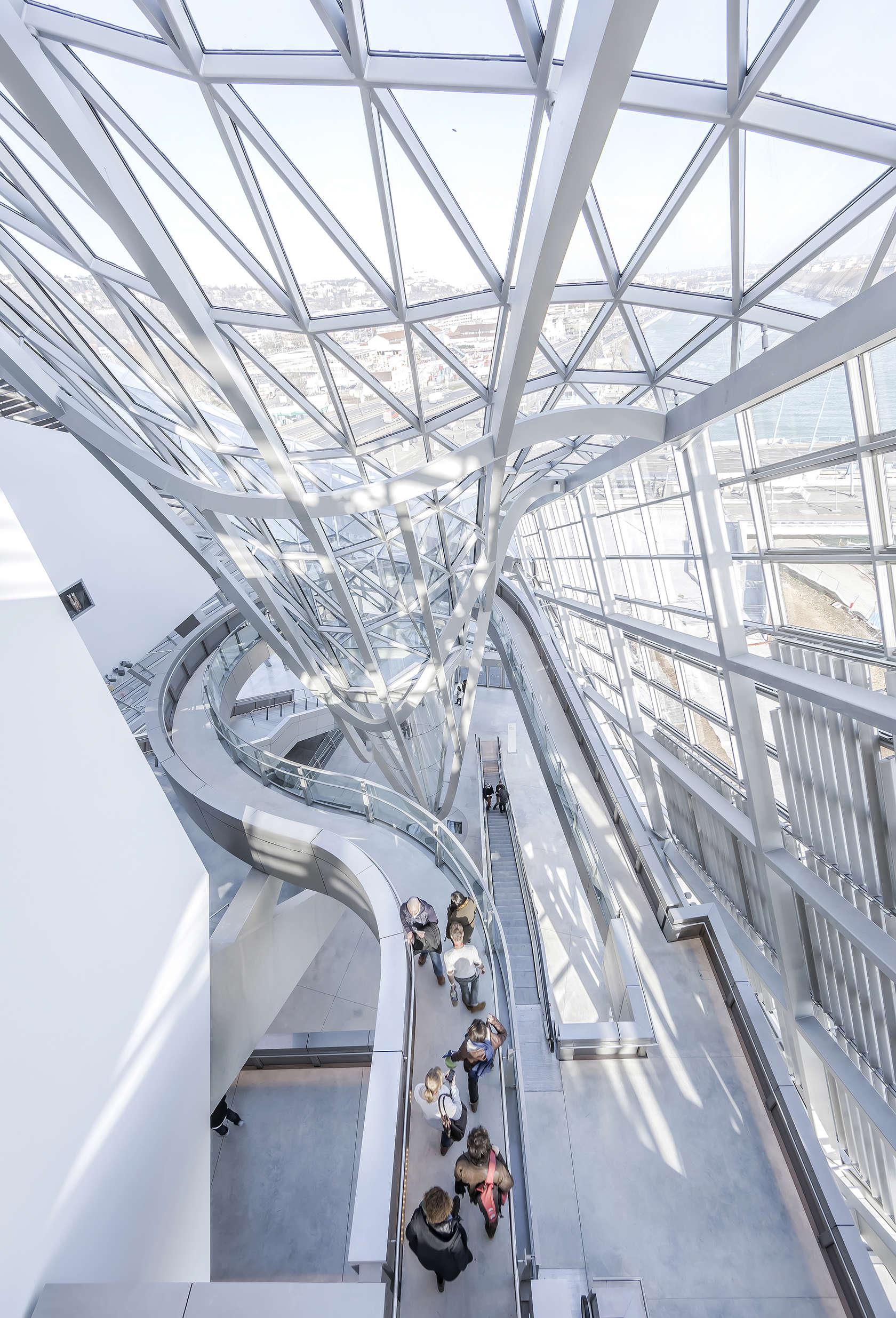 Mus e des confluences architizer for Architecte musee confluence