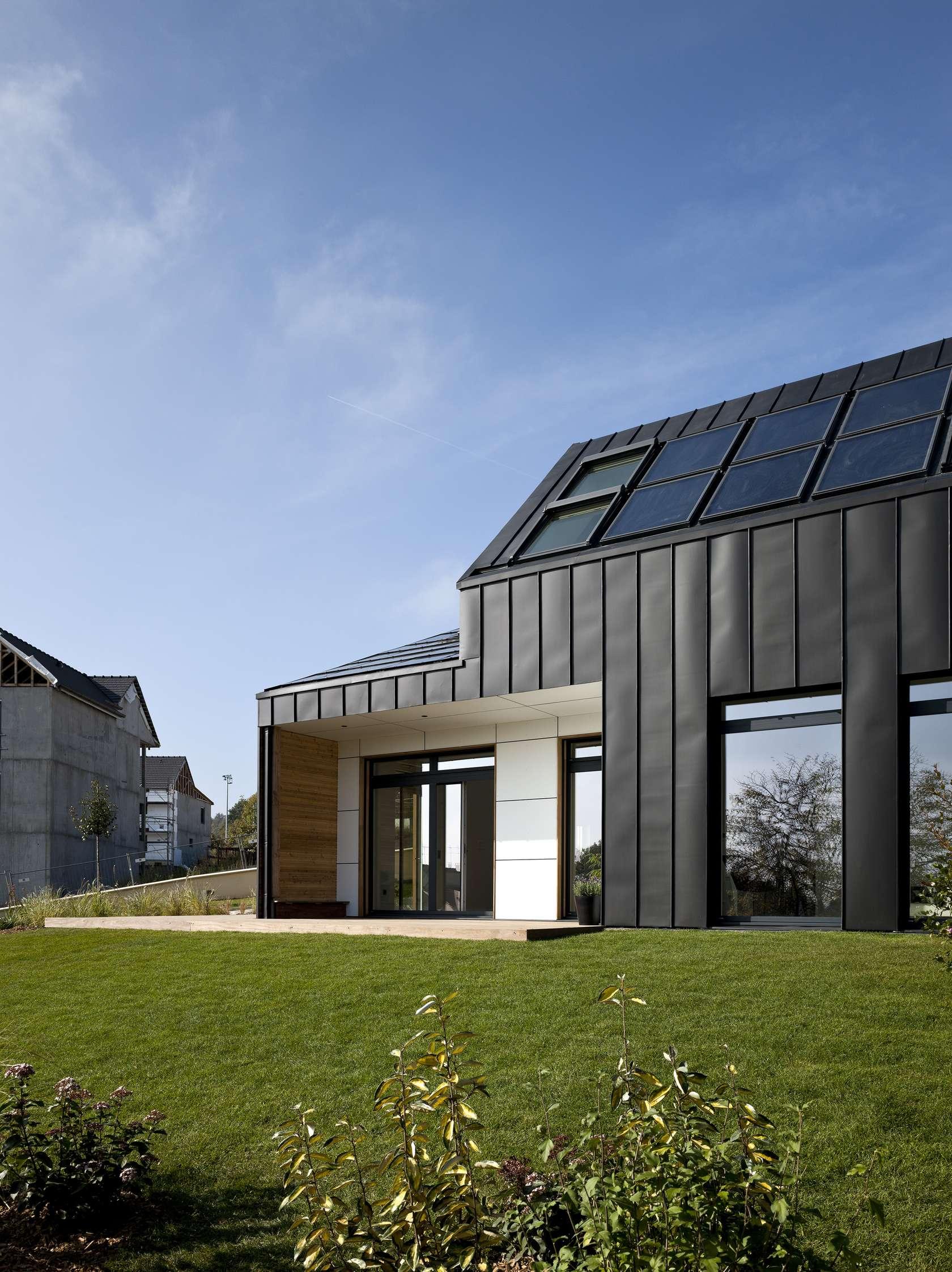 Maison air et lumi re an active house by nomade architizer for Maison saine air et lumiere