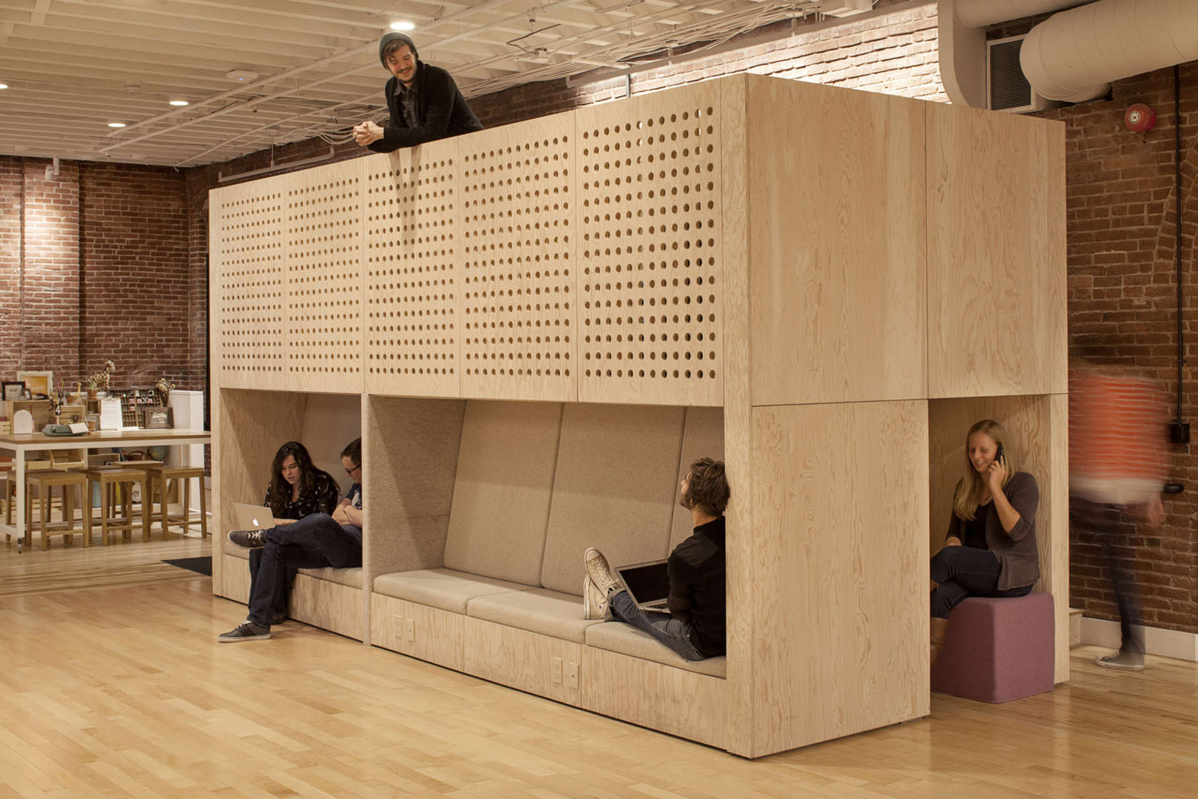 out of office workplace innovation in the age of the sharing economy architizer airbnb office 6 google san
