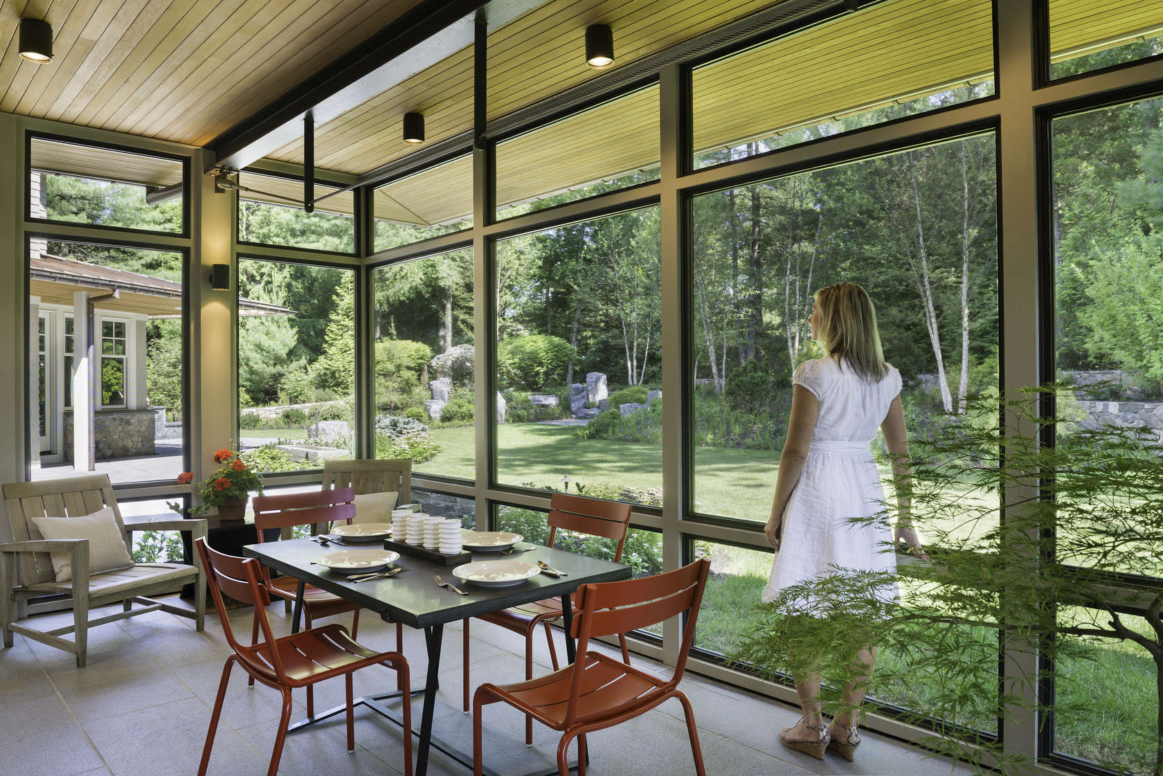 Modern screen porch architizer for Modern screened porch