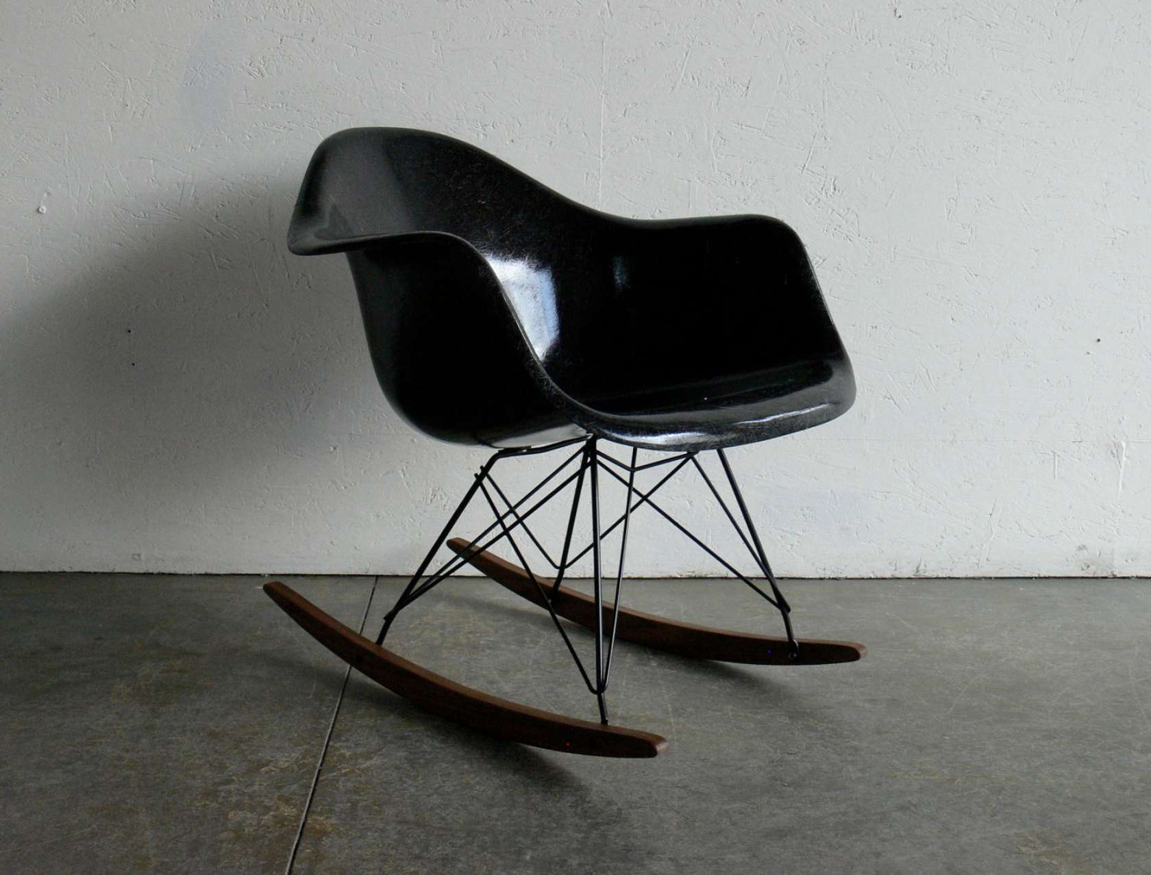 Brief History Of The Rocking Chair Architizer. Full resolution  img, nominally Width 1680 Height 1278 pixels, img with #595046.