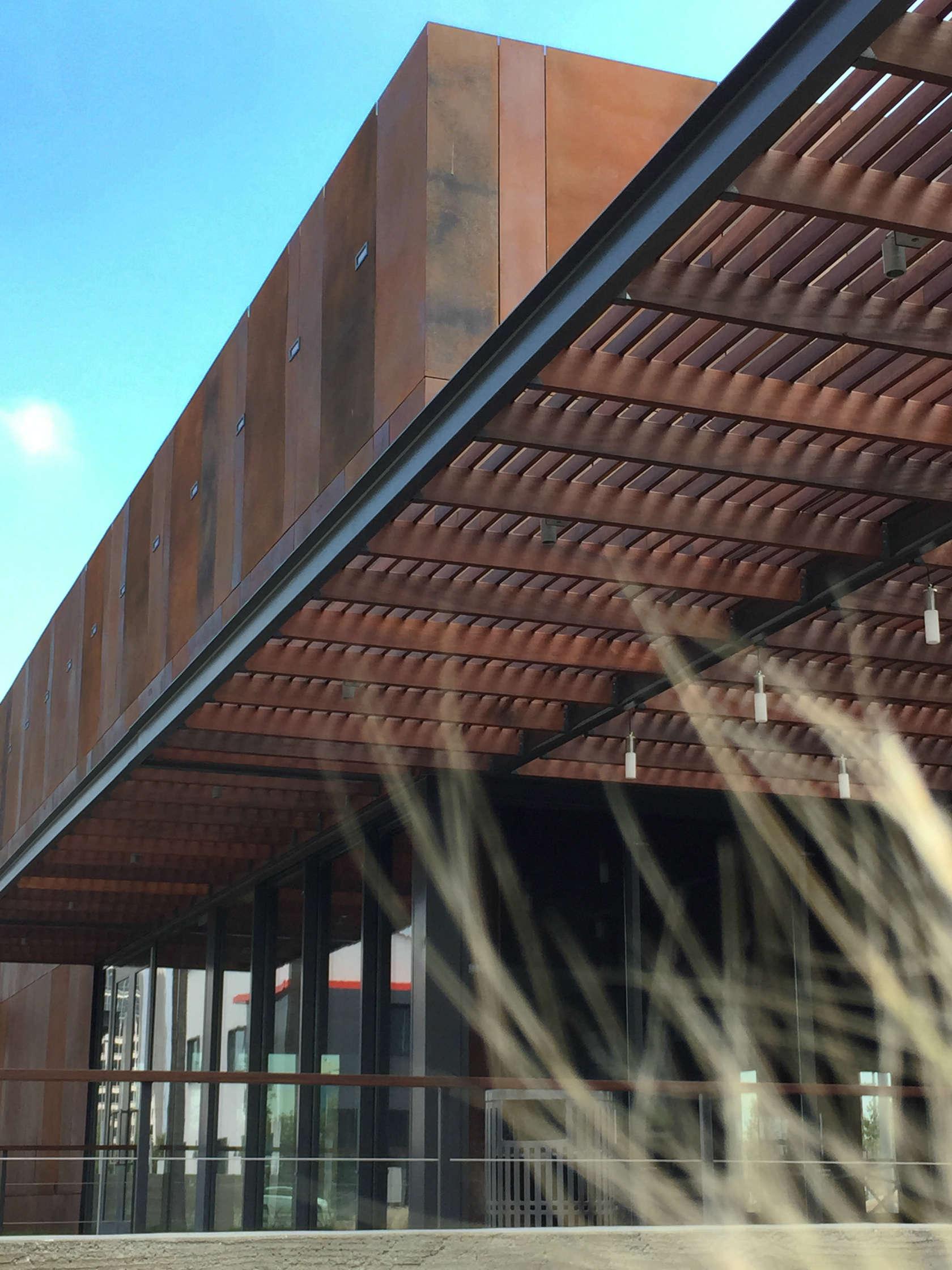 Ehrlich architects architizer - Limposante residence contemporaine de ehrlich architects ...