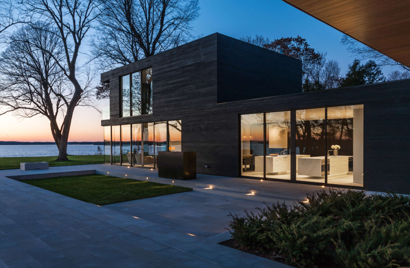 Lake minnetonka retreat home architizer for Retreat house