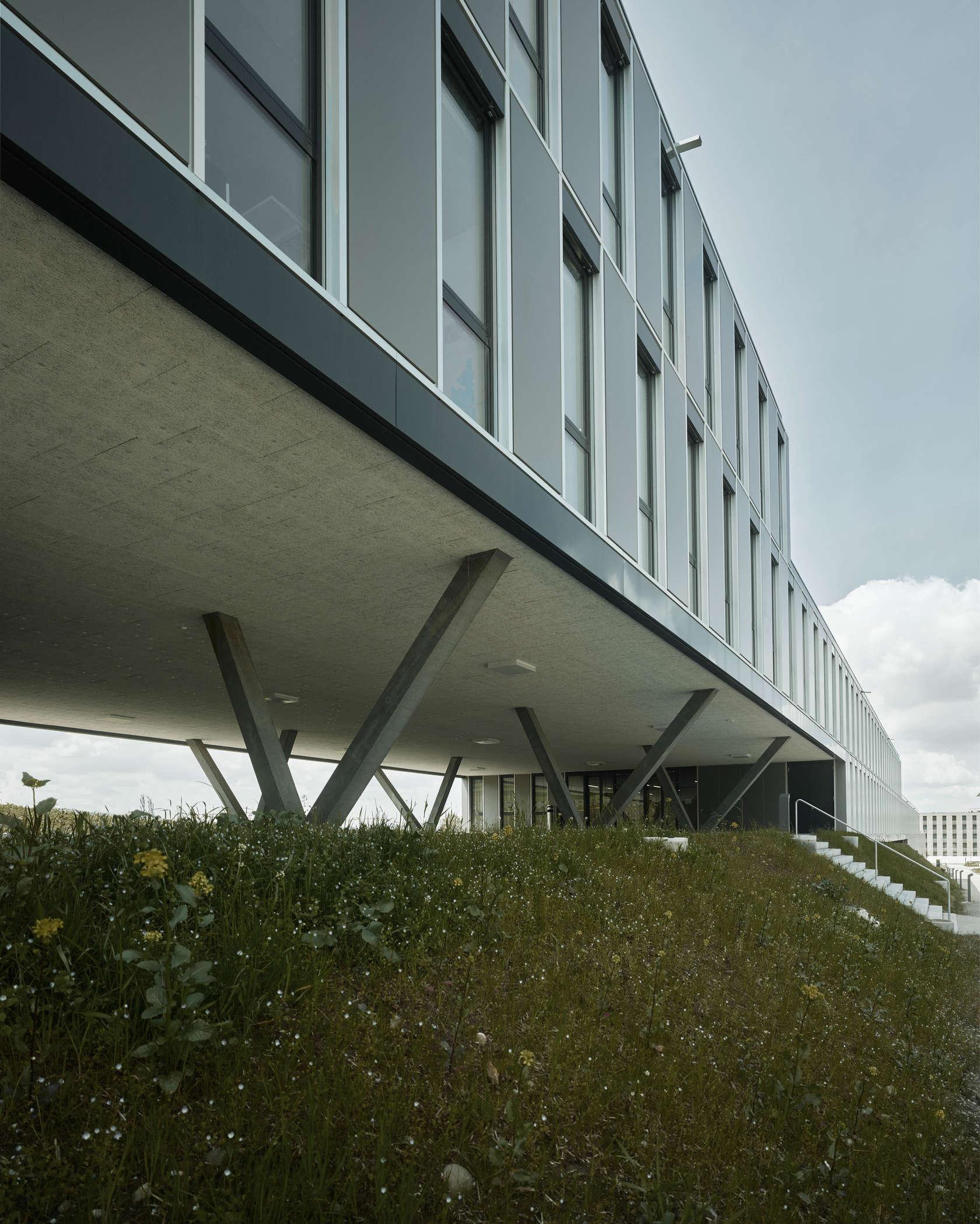 Hcp office and seminar building eth zurich architizer for Architecture zurich
