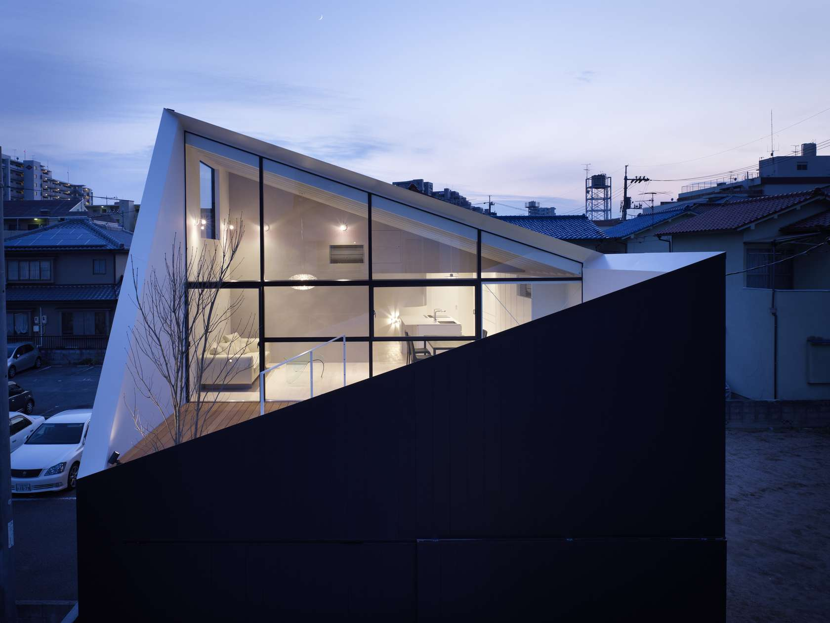 Wrap house architizer for Japanese minimalist house design
