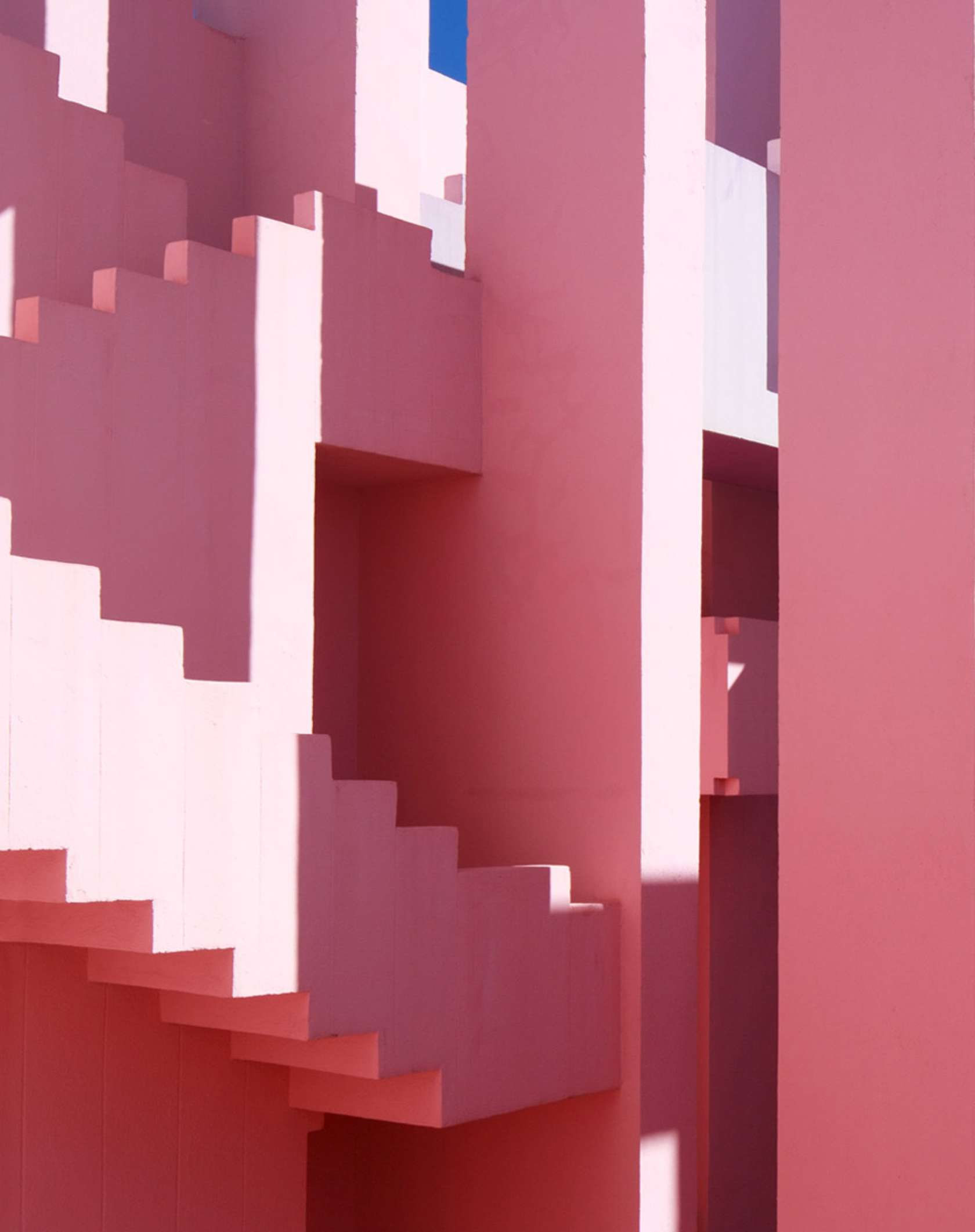la muralla roja architizer. Black Bedroom Furniture Sets. Home Design Ideas