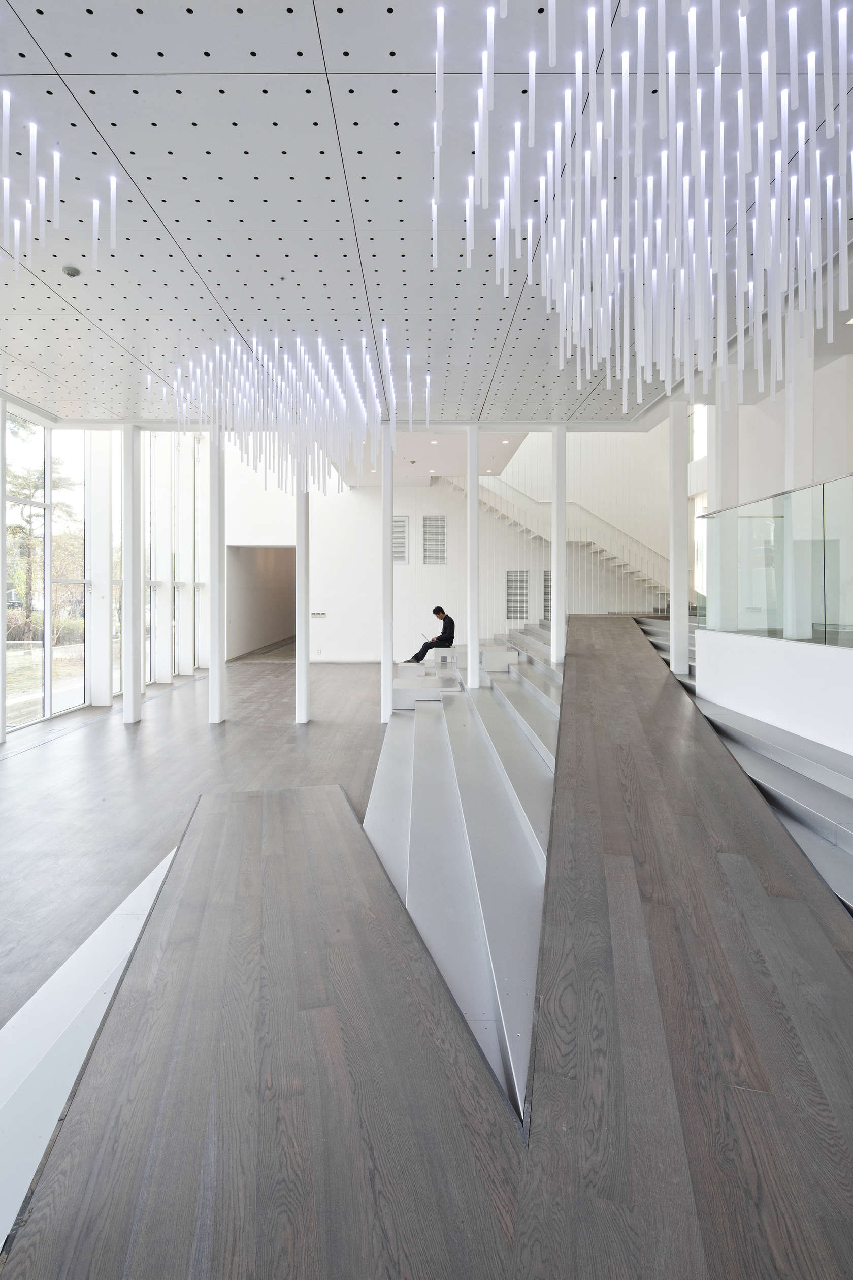 Gallery Space Design White Block Gallery - ...