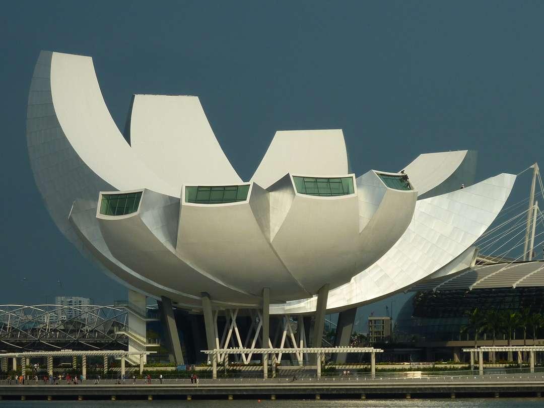 Najpoznatije svetske arhitekte - Page 3 11e098c6908c8c41c8116520ef1dfbf4